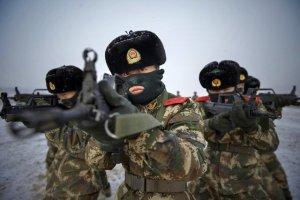 commando-policiers-paramilitaires-elite-entrainent (1)